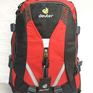 Deuter backpack size : 18 inches
