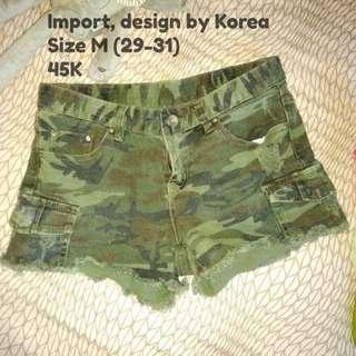 Hotpants import