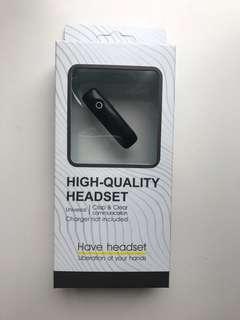 Bluetooth headset 藍牙耳機(postal fee included 包郵)