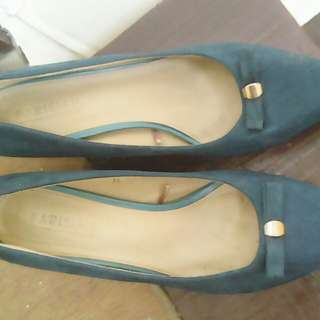 RE PRICE!! Parisian Blue green shoes from 350 to 280