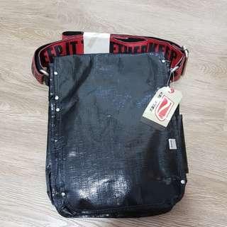 Ducti USA - keep it together sling bag