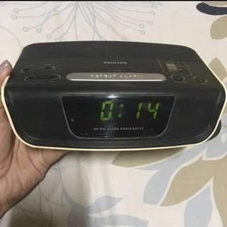 ✨Reduced Price! Digital alarm clock with FM/AM radio