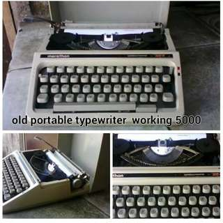 Old Portable typewriter WORKING