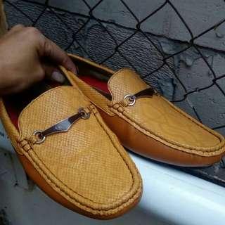 Sepatu jackson