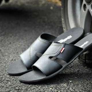 kickers sandal kulit