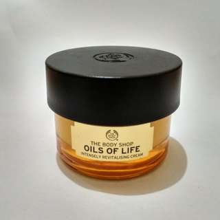The Body Shop : Oils of Life ( Intensely Revitalising Cream )