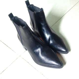 Forever 21 pointed tip Ankle boots