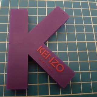 Kenzo thumb drive