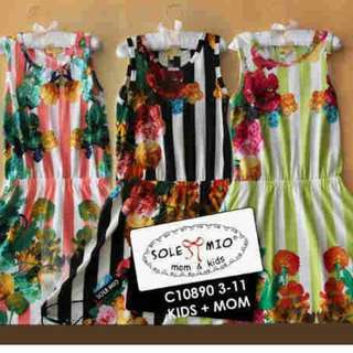 Reprice SOLEMIO KIDS ORIGINAL DRESS KAOS BUNGA ( 5 YEAR ) SISA BLACK