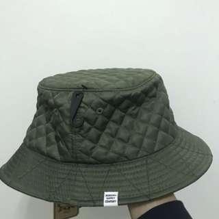 Herschel漁夫帽軍綠