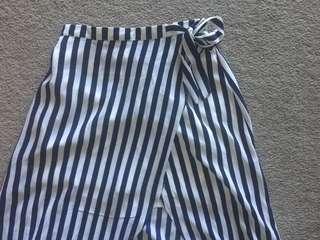 Striped long slit skirt