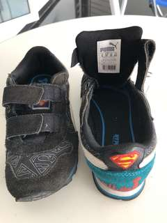 Kids shoe size 8UK 10US