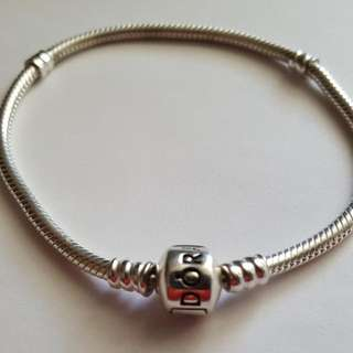 Authentic 925s ale Pandora bracelet