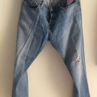Levi's Ripped Jeans - Store ORIGINAL