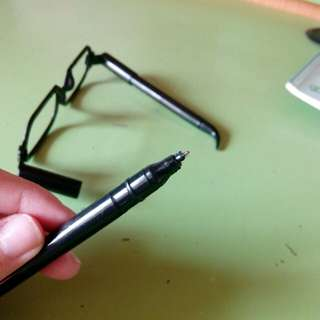 Black fake glasses pen
