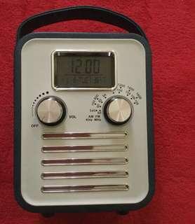 Audiosonic AM/FM Radio