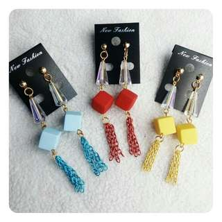 Anting Rantai Warna