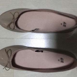 H&M Nude Ballet Flats (NEVER USED)