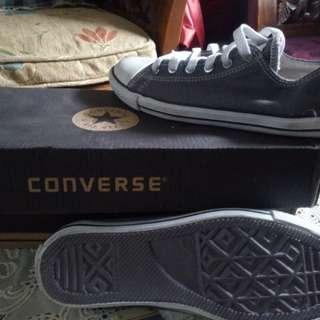 Sepatu anak branded merk international CONVERSE