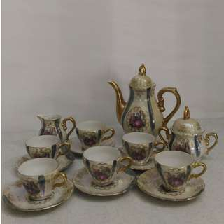 Vintage teapot and teacup set