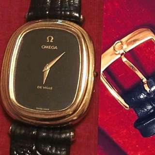 60/70年代 極罕有古董925純銀亞米加碟飛系列機械上鍊腕錶(男女合用)Rare Vintage OMEGA De Ville Cal 625 movement Gold Plated on 925 Solid Silver Watch:  100%保證原裝亞米加 Original Omega  (size 29mm x 32mm), come with Omega Buckle and Box,925純銀包黃金錶殼配上全新真皮錶帶及原 裝亞米加包金扣,連原裝亞米加錶盒,運作正常。