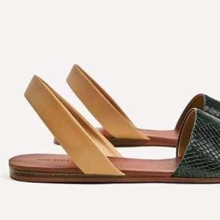 Snakeskin flat sandals - Zara
