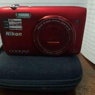 Camera Nicon Coolpix S3500