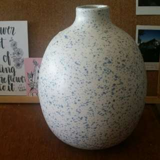 Blue & white speckled vase