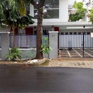 Rumah Sewa cocok untuk Hunian/Kantor, Swimming Pool, di LIGA MAS, Pancoran