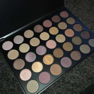 NEVER USED - MORPHE PALETTE