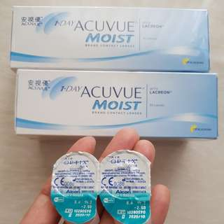 1 Day Acuvue Moist (daily) + air optix aqua (monthly) contact lenses