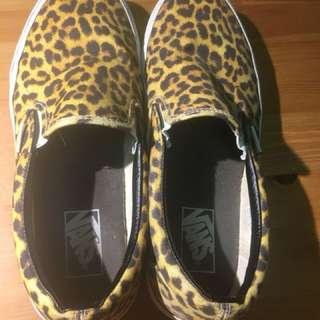 Vans Leopard Print Slip-Ons Men US9 Women US 10.5