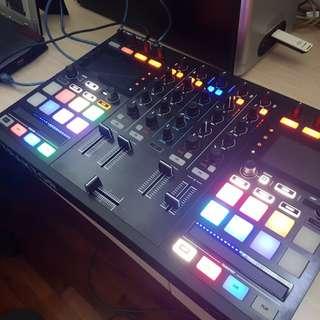 TRAKTOR KONTROL S5 DJ CONTROLLER