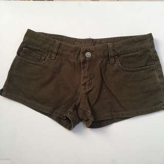 American eagle olive shorts