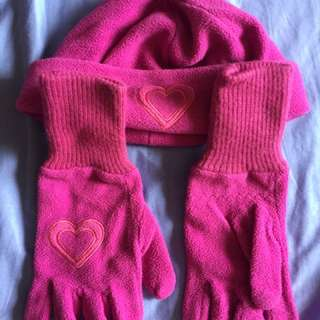 Pink heart gloves & beanie set