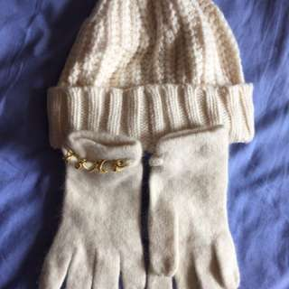 Ivory gloves & beanie set