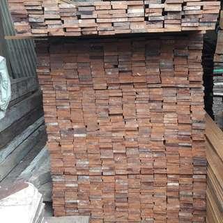 Ready stock kayu ulin kalimantan untuk konstruksi dan taman