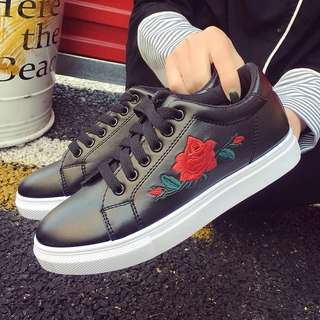 Instocks - Flower Black Casual Shoes ✨