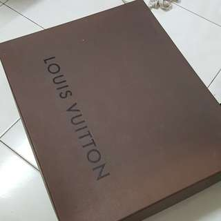 Louis vuiton box