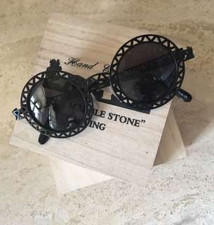Engraved Metal Cut Out Sunnies/Sunglasses