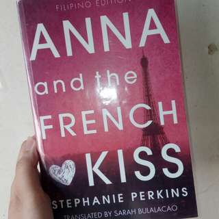(RUSH!!) FILIPINO EDITION ANNA AND THE FRENCH KISS