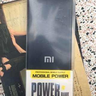 電池power bank 8000mAh