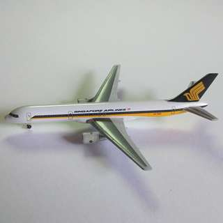 SIA 1/500 Herpa Classic Diecast Planes Set 5