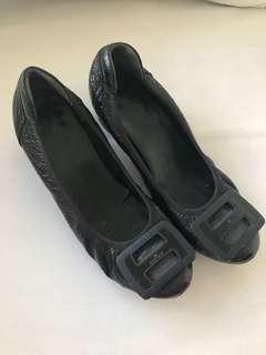 excellent condition HOGAN block heel low pumps - 36