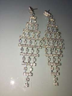 Brand new bling bling sparkling crystals earrings for dinner party