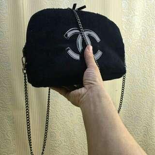 Chanel slingbag suede original