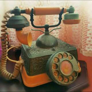 Antique Analog Telephone   (still Working)