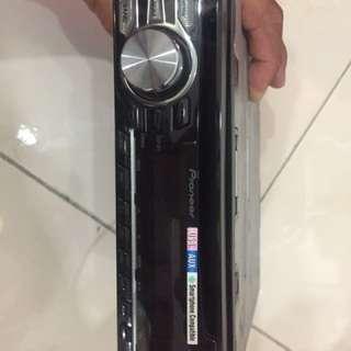 Pioneer DEH-1750 UB