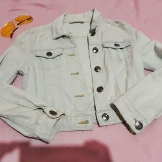 Light washed cropped denim jacket