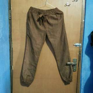 Joger pants brown